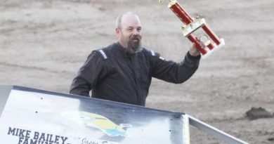 Sports mod racer Jason Emmot wins trophy dash