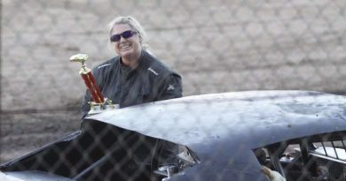 Hobby stock racer Robertson wins trophy dash