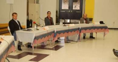 DA candidates square off in community debate