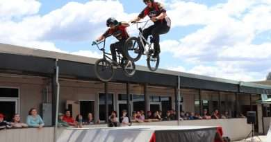 BMX pros secure a captive audience, shares anti-tobacco message